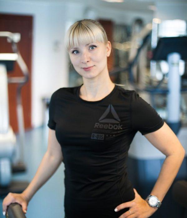 Яна Курова